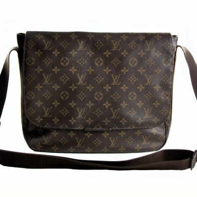 Louis Vuitton Messenger Beaubourg Monogram Le Chic