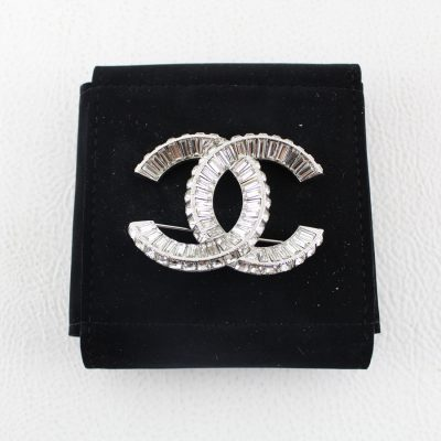 Chanel Spilla Crystal Le Chic