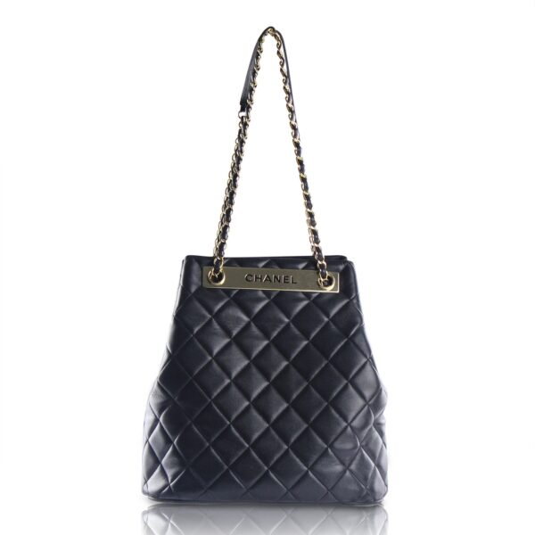 Chanel Trendy CC Drawstring Nera Le Chic